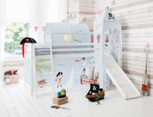 Canopy beds from Noa and Nani