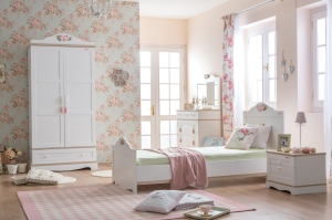 Laura furniture from Oliver Hayden