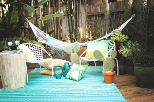 Cancun_Turquoise_and_Moss_Green_Lifestyle_4