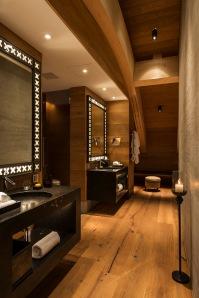 CAM-Room-Furka Suite-Bathroom-03