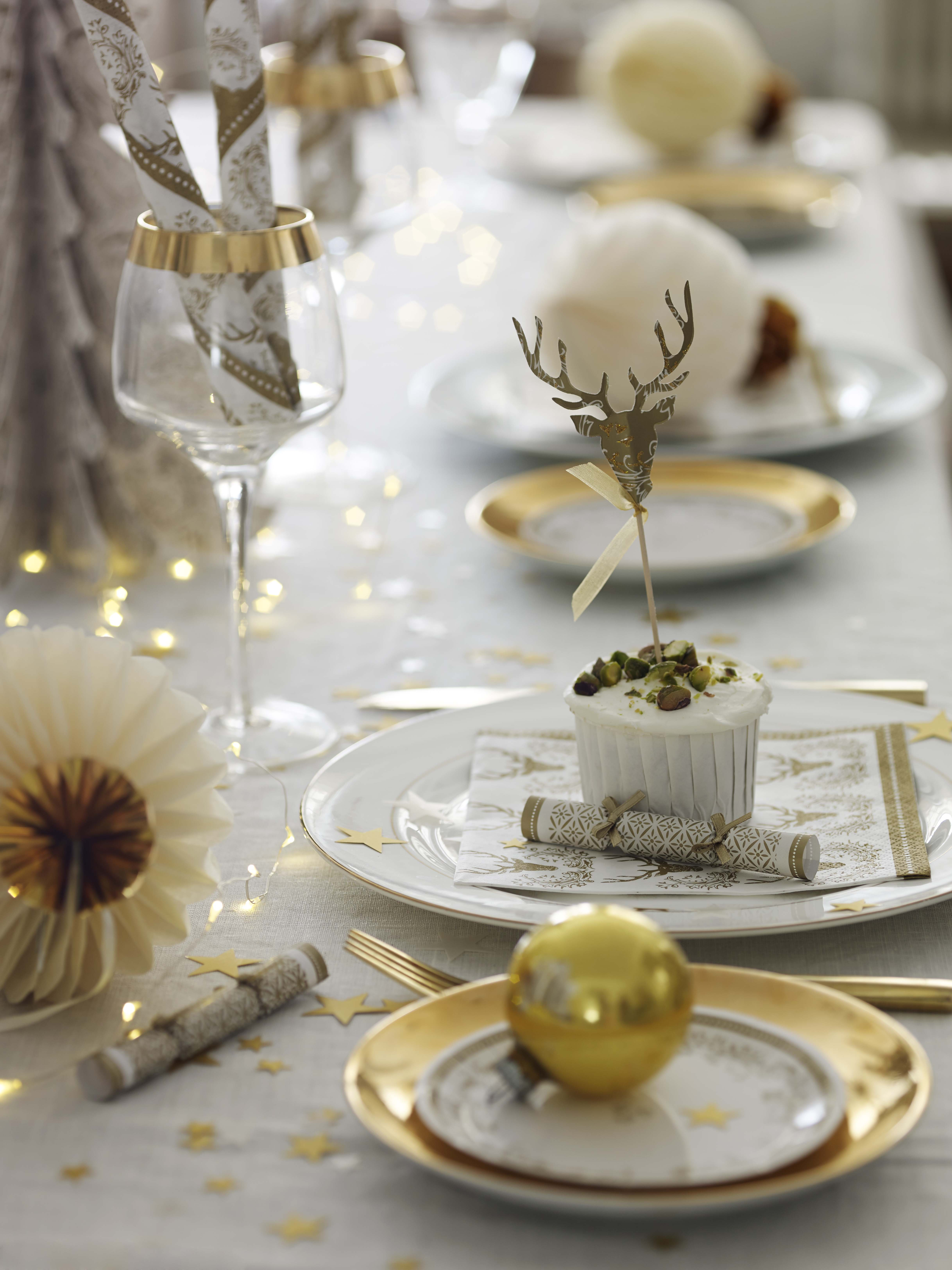 Top 40 christmas tableware ideas christmas celebration Christmas party table settings