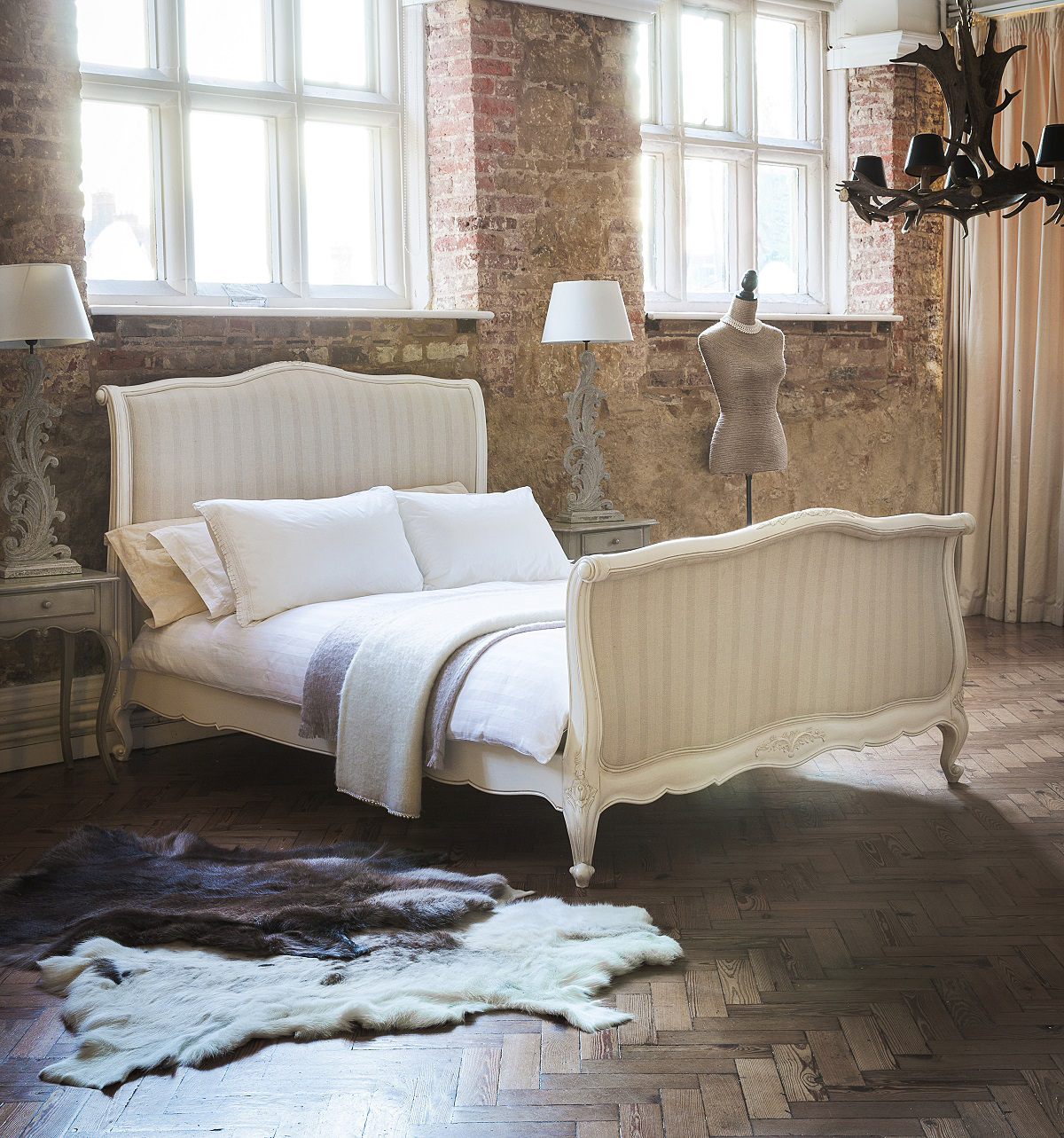 interiors trends bedrooms sweet dreams are made of this angelinascasa. Black Bedroom Furniture Sets. Home Design Ideas