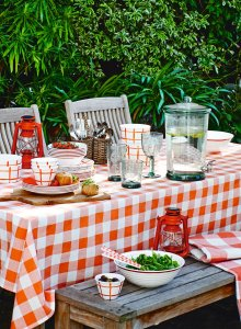 Outdoor Country Fair Dining