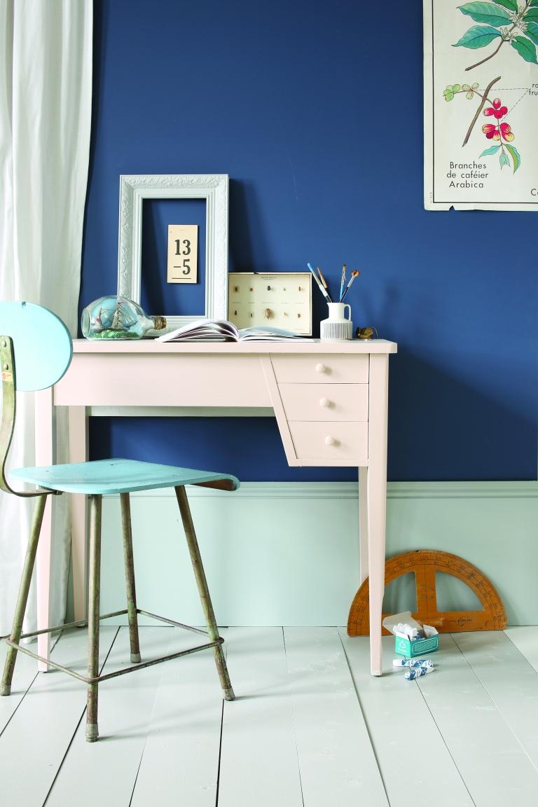 Walls Stiffkey Blue, floor hardwick white, Skirting Light Blue and Desk Setting Plaster