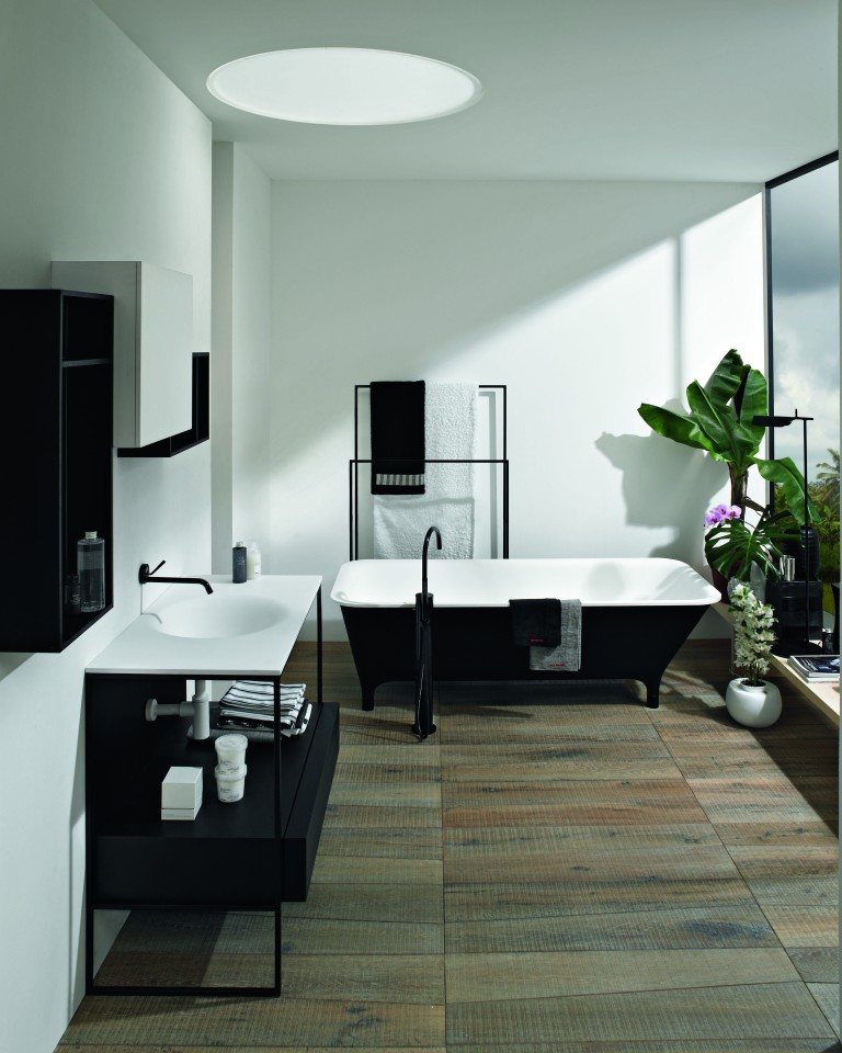 Zucchetti. Kos Morphing free standing bath tub in Nero finish, from ú5,000, Steel Console with integrated washbasin in Cristalplant,from ú3750 hires