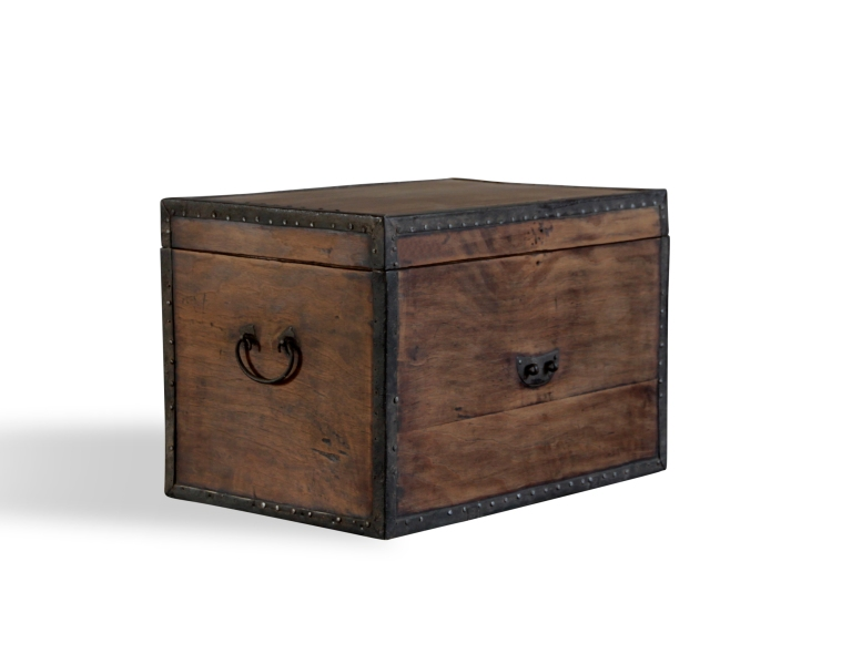 camphor-travelling-trunk