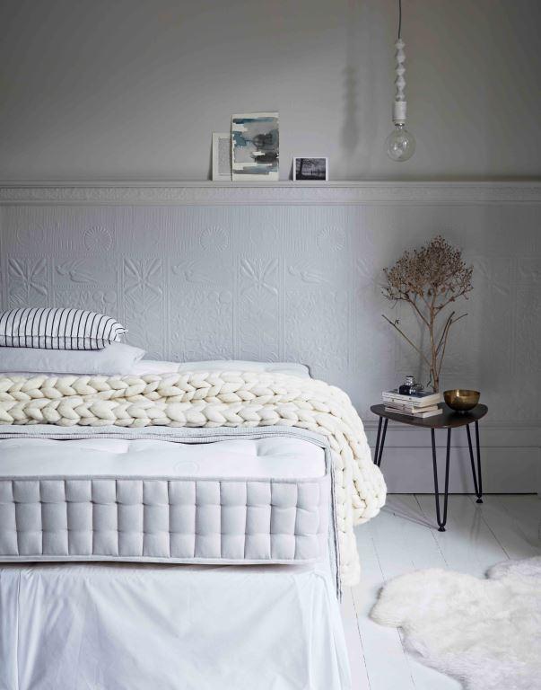 Herdysleep - Bedroom Scandi (half dressed)